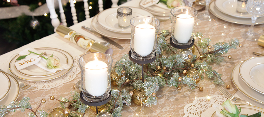 vintage christmas banner table setting